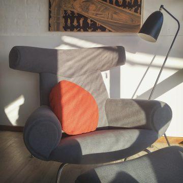 Butaca de diseno moderno OX de Hans Wegner
