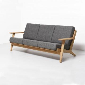 sofa-3-cuerpos-wegner